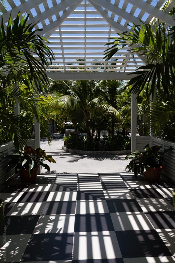 Entrance to Coral Sands Resort