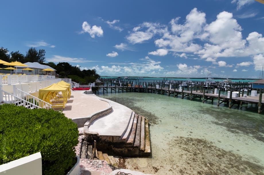 Romora Bay Marina Entrance